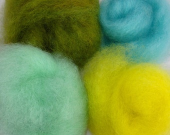 Maine grown local Wool eco friendly,art batt,  Cotswold  SPINNING fiber  2 oz total, Finger Paint your sheep