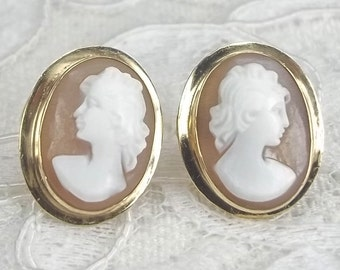 Vintage 14k Yellow Gold and Carved Shell Female Classic Cameo Pierced Stud Earrings