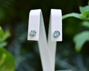 very lively BLUE TOPAZ Stud EARRINGS 925 Sterling Silver Pierced