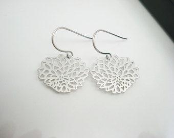 Silver Earrings, Chrysanthemum, Silver Filigree, Flower Earrings, Filigree Earrings, Silver Drop Earrings, Small Earrings, Gift For Her