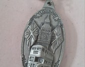 Vintage London Souvenir Pewter Key Ring Silver Tone Key Chain Made in the UK Union Jack Double Decker Bus Big Ben