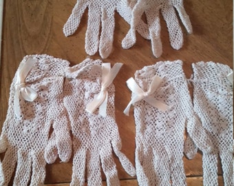 Vintage Off White Crocheted Lace Gloves Ladies Bows Cotton Hand Made Dead Stock