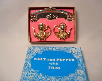 Gold  Tone Metal Souvenir Teapot with Tray Salt and Pepper Shakers Rhode Island