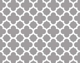 Riley Blake Fabric - 1 Yard of Quartrefoil in Gray