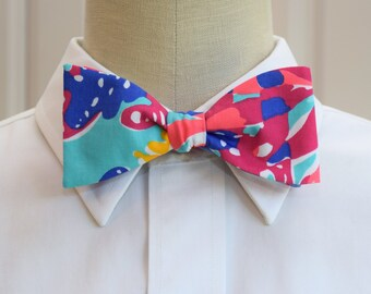 Men's Lilly Bow Tie in turquoise Sippin 'n trippin (self-tie)