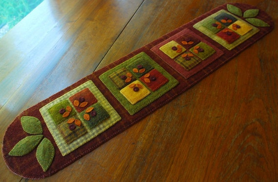 Wool Applique Quilt Block Table Runner Primitive Autumn Fall