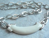 Off White Necklace Chunky Monet Chain Enamel Silver Tone Vintage 130424