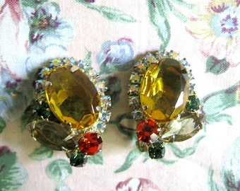 Vintage 1960s Clip On Earrings Gold Rhinestone Gold Tone Clip On Earrings