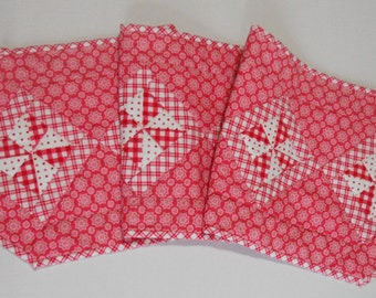 Pinwheel Quilted Table Runner, Pinwheel Quilted Table Topper, Girls Dresser Scarf, Pink, Fuchsia, Valentine Table Runner