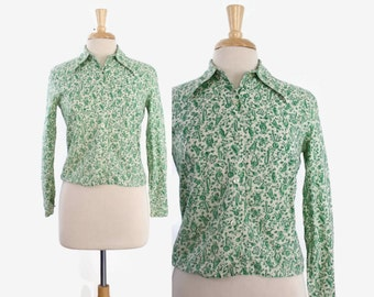 Vintage 60s NOVELTY Musical Instruments Print TOP / 1960s Green & White Cotton Blouse