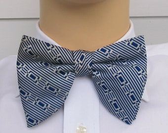 1940s Bow Tie ... Blue And Cream