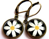 White Daisy Flower Earrings Glass Bronze Boho Fashion Jewelry