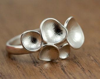 floral statement ring, matte silver plated, adjustable