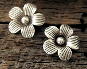 1 Fine Silver Flower Charms -  Handmade by the Karen Hill Tribe Craftsmen C9a