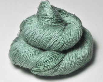 Glass frog - BabyAlpaca/Silk Lace Yarn