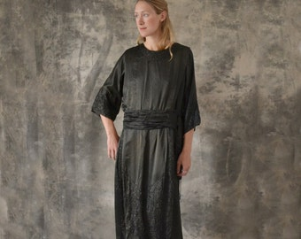 1920s Black Silk Dress size M