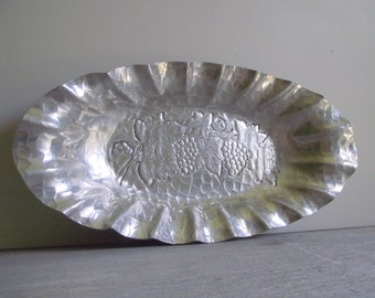 Vintage Aluminum Tray Bowl | WORLD Hand Forged | Hammered Aluminum Dish | Grape Vine Design | Mid Century Decor | Shabby Cottage Chic