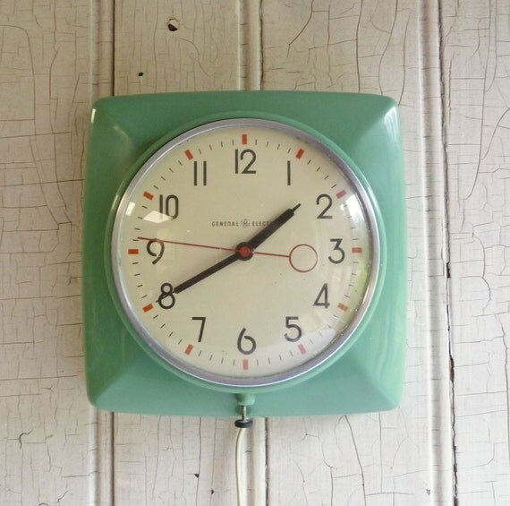 Retro Electric Kitchen Wall Clocks: Vintage Green Kitchen Wall Clock With Art Deco Styling