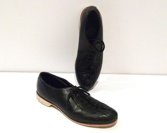 Hyde Bowling Shoes Vintage Mens Black Bowling Shoes Leather Rockabilly Oxfords Size 9 to 9.5 Mens H On Heel Bowling League