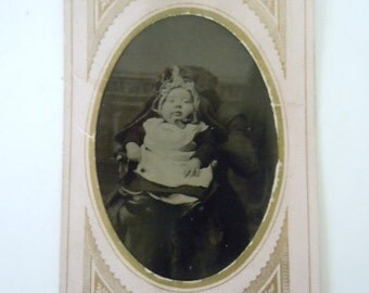 Victorian Hidden Mother Tin Type Photo Historical Photo Collectible Photography