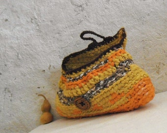 Indian summer - crochet purse upcycled fabric in yellow orange and brown with vintage wooden button