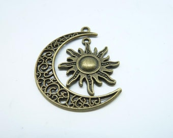 10 sets-Moon and Sun charms, Antique Bronze Crescent Moon and Sun charm Pendants 8037 879