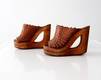 vintage 70s Shoes & Stuff by Frank Sbicca woven platforms, leather mules size 6