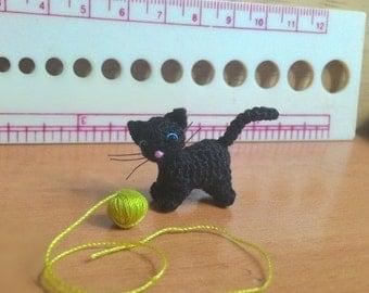 tiny crochet black kitten cat - dollhouse decor - tiny amirugumi cat