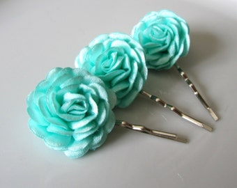 Sea foam hair flowers - Bridal hair pins - Bridesmaids hair flowers - Flower girls hair pins - 3 pcs