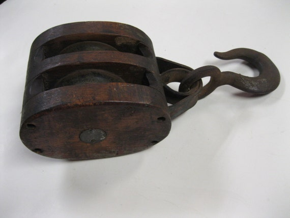 Antique large farm double rope pulley with large iron top for Uses for old pulleys