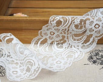 Exquisite White Lace Trim Floral Scalloped Lace 3.54 inches Wide 2 Yards
