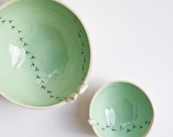 TWEET BOWL, ceramic bird bowl. white and green pottery bowls. ceramic bowls set. nesting bowls set. modern serving bowls. karoArt, Ireland