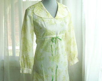 1960's Babydoll Dress, Ivory and Pastel Green Toile Mini Dress, Size Small
