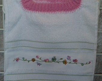 Flower Embroidered Pullover Bib