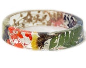 Jewelry with Real Flowers- Dried Flowers- Green bracelet- Dried Flowers- White Flower Bracelet -Flower Resin Jewelry