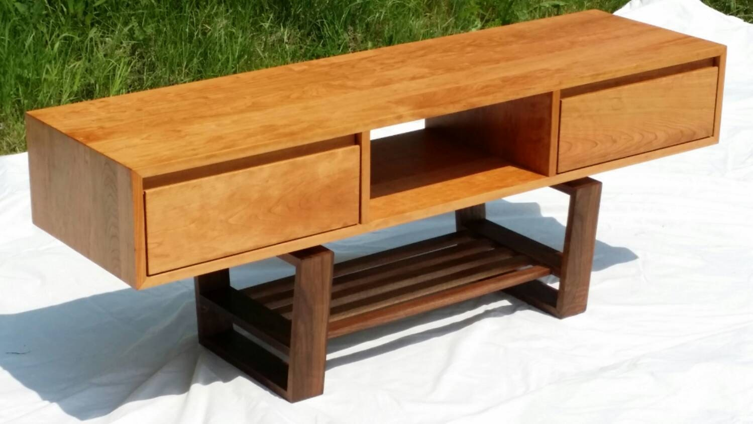 mid century modern styled tv stand with drawers. Black Bedroom Furniture Sets. Home Design Ideas