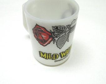 Milkglass Coffee Cup Gun Rose Mild Wild West