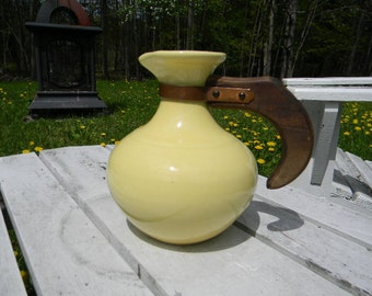 POTTERY, Vintage Gladding McBean Franciscan, Mid Century,  Yellow Carafe