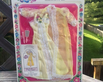 no.1125 RARE NRFC vintage 1982 CREATA Flower Princess Lingerie Fashion Clean!