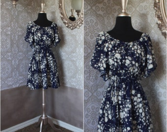 Vintage 1970's Blue and White Floral Mini Dress Small