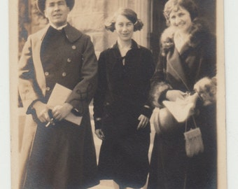 Vintage/ Antique beautiful Photo of 2 women and a man in a fashionable clothing