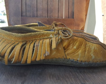 TRIBAL    ///    Leather Two Tone Moccasins