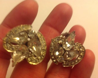 Sparkling Vintage Rhinestone Clip On Earrings Silver Tone