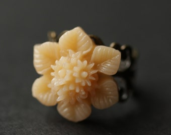 Peach Flower Ring. Peach Ring. Apricot Flower Ring. Apricot Ring. Adjustable Ring. Bronze Ring. Flower Jewelry. Handmade Jewelry.