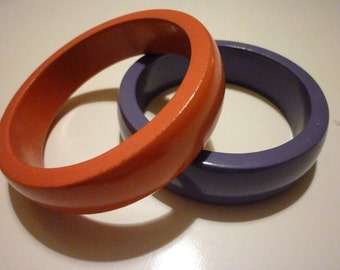 2 retro early 90s painted wooden bangles, in orange and purple