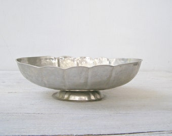Pewter Footed Bowl, Hammered Oval Display Bowl, Vintage Modernist Table Centerpiece, Newlywed Wedding Gift, Table organizer Fruit Bowl