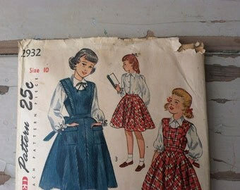Darling Vintage Young Ladies Pinafore Pattern - Retro Simplicity back to School Sewing Pattern, Size 10, School Jumper Pattern, Sewing Art