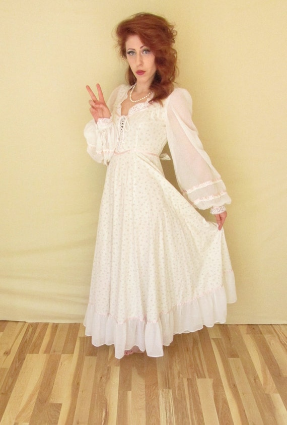 vintage ivory casual wedding dress 1970s by blueeyedboutique