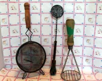 Green Handled Kitchen Utensils / Retro Wood Handled Utensils