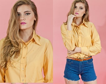 Vintage 1970s Straw Yellow Pointy Collar Blouse